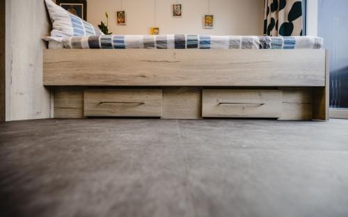 Der Bodenbelag Altro Ensemble / M 500 verbindet funktionale und ästhetische Eigenschaften. Dank seiner Flexibilität ist er schnell und einfach zu verlegen.