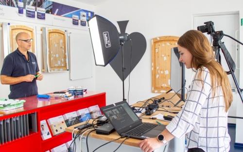 Jansen Campus On Air: Jansens Praxis-Werkstatt für Profi-Anwender ist jetzt auch live über das Netz zu erleben.