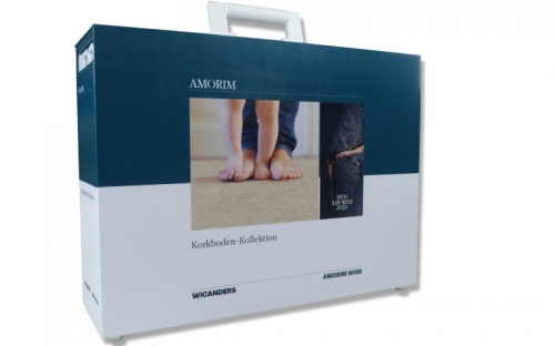 Die neue Amorim Koffer-Kollektion  besteht neuerdings aus zwei Koffern: einer ist für die  Kork-Böden reserviert, wie hier im Bild zu sehen.