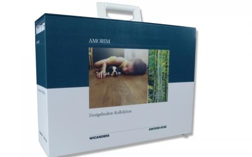 Der zweite Koffer beinhaltet die Designböden.
