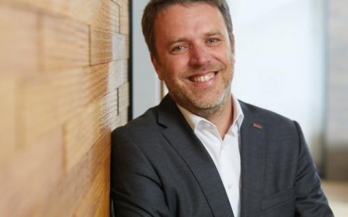 """Gerold Schmidt, Haro Verkaufsleiter Deutschland: """"Die LHD 140 ist  ein Produkt, das ideal zum Trend des Wohnens in der Stadt passt."""""""