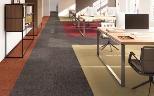 Drei Styles in zwölf Farben: Die Teppichfliesen-Kollektion Rudiments der IVC Group schafft kreative und angenehme Arbeitsumgebungen.