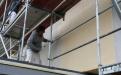 Auch bei der Verarbeitung an der Großfläche machen Sigma Siloxan All Season und Malergeselle Jürgen Grützmacher eine gute Figur. Der vorbeugende Filmschutz des Produkts schützt gegen Algen- und Pilzbefall.