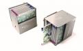 Ob stehend, liegend oder mobil: Die Teba Duette Wabenplissee Kollektions-Box stellt in jeder Position ein vielfältiges Präsentationsmedium dar.
