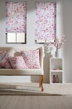 """Die Kollektion """"Teba Apelt Design"""" ist in Kooperation mit Apelt entstanden. Das Bild zeigt Teba Dessin Blossom hell Nr. 5000, F1."""